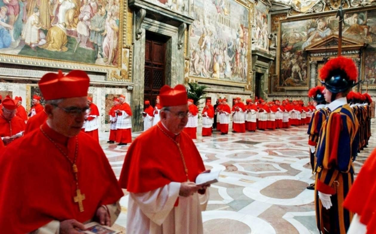 Ξεκινούν οι διαδικασίες για την εκλογή του νέου Πάπα