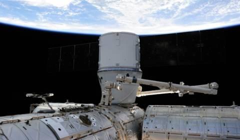Στο διαστημικό σκάφος Dragon εντοπίστηκαν προβλήματα