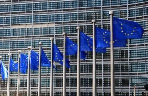 Προκαλεί η «ταξιδιωτική οδηγία» της Κομισιόν για την Ελλάδα