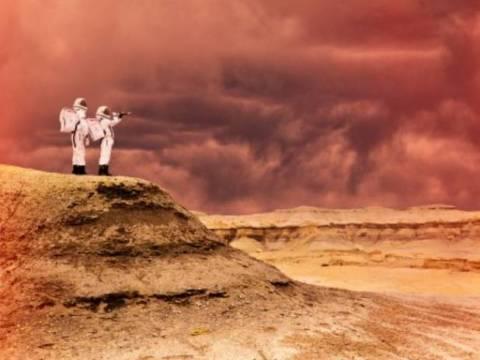 Απίστευτο: Ζητείται ερωτευμένο ζευγάρι...για ταξίδι στον Άρη!
