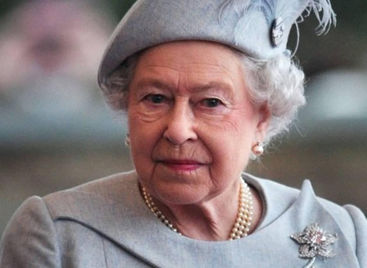 Για δεύτερη μέρα στο νοσοκομείο η βασίλισσα Ελισάβετ