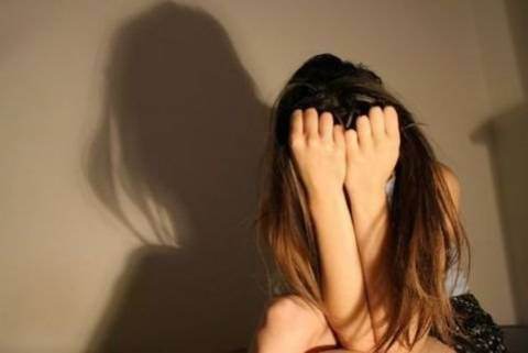 ΣΟΚ: Ζήτησαν οδηγίες στο δρόμο από 18χρονη και μετά την βίασαν