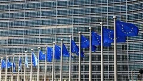 Απάντηση της Κομισιόν για την προκλητική «ταξιδιωτική οδηγία»