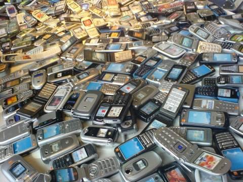 Αν είναι δυνατόν: Δείτε που έκρυψε κλέφτης 49 κινητά τηλέφωνα