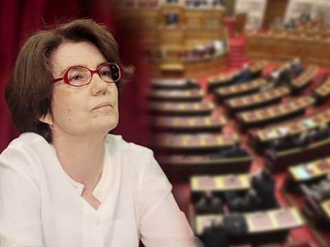 Και νέα ερώτηση βουλευτών με αποδέκτη την κ. Σκοπούλη