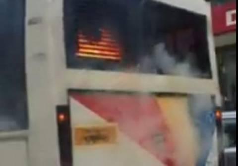 Ώρες τρόμου για επιβάτες λεωφορείου που άρπαξε φωτιά εν κινήσει