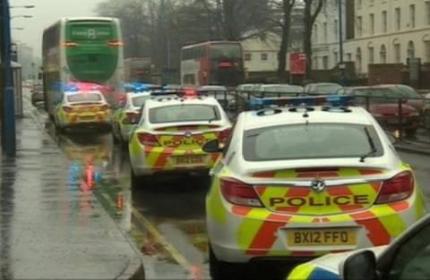 Σοκ: Μαχαίρωσε 16χρονη μέσα σε λεωφορείο!