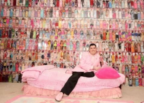 Είναι εθισμένος στις Μπάρμπι-Έχει ξοδέψει 80.000 δολ.για 2.000 κούκλες