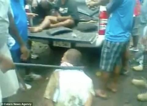 Βίντεο που σοκάρει: Στρατιώτες βασανίζουν αιχμαλώτους