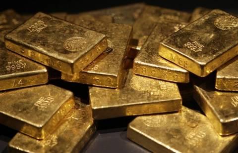 Έκρυβε στη βαλίτσα του τρεις ράβδους χρυσού και 45.000 ευρώ