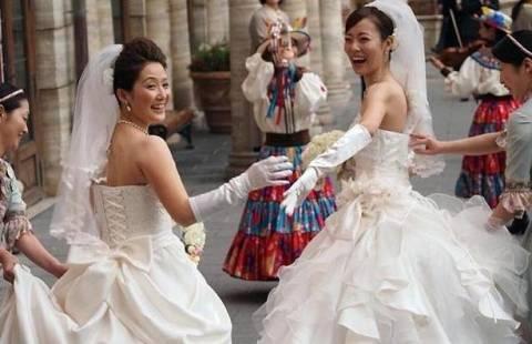 Ο πρώτος γάμος ομοφυλοφίλων στη Ντίσνεϊλαντ!