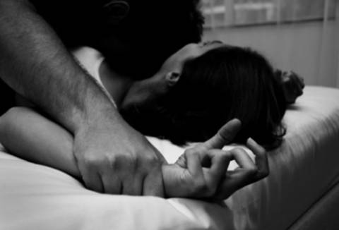 Σοκ: 1 στις 4 Ελληνίδες θύμα βιασμού από τον ίδιο τον σύντροφό τους