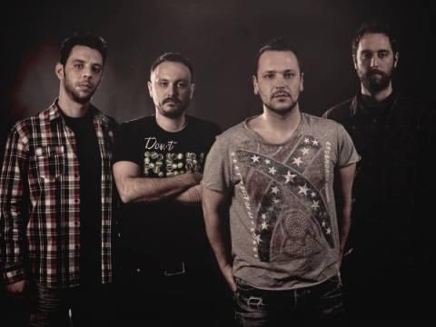 Daze of Youth: Tο συγκρότημα που βάζει «φωτιά» στην ελληνική ροκ σκηνή