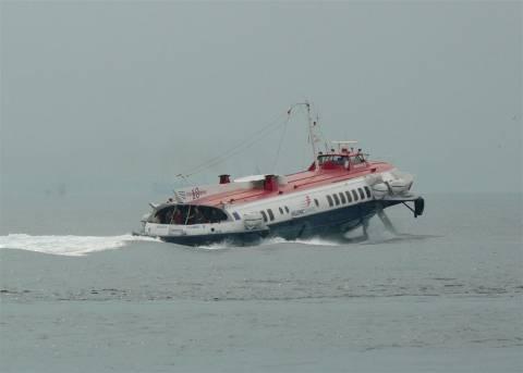 Ύδρα: Ταλαιπωρία για 16 επιβάτες flying dolphin