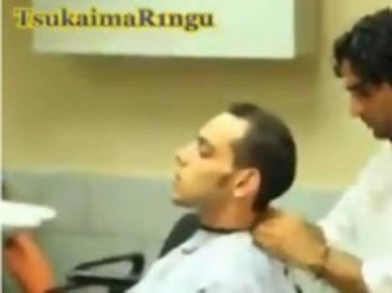 Βίντεο: Θα κλαίτε από τα γέλια με τον πιο... τρελό άνθρωπο στον κόσμο