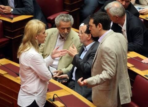 «Διχασμός» στον ΣΥΡΙΖΑ για το φλέρτ με τους «Καραμανλικούς»
