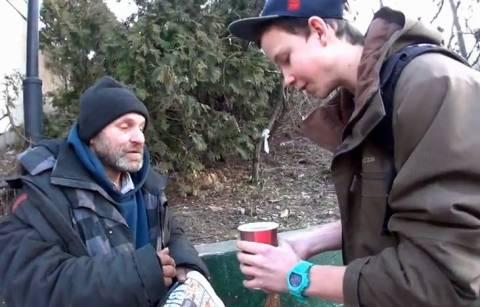 Απίστευτο βίντεο: Έκανε τον καφέ... κέρματα!