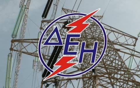 ΔΕΗ: Η διακοπή ρεύματος οφείλεται σε «τυχαία βλάβη ενός διακόπτη»