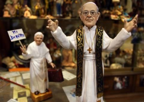 Έγινε και αγαλματάκι ο Πάπας Φραγκίσκος Α'(pics)