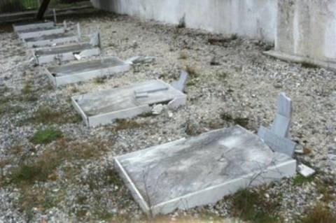 Διέλυσαν και βεβήλωσαν τάφους Ελλήνων στρατιωτών στα Σκόπια