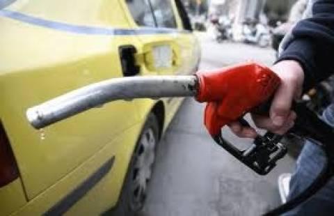Κατά 35% συρρικνώθηκε η αγορά πετρελαιοειδών την πενταετία 2008- 2012