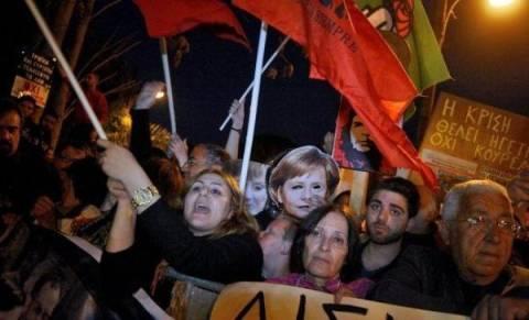 Πανηγυρισμοί στην Κύπρο για το ιστορικό «ΟΧΙ»