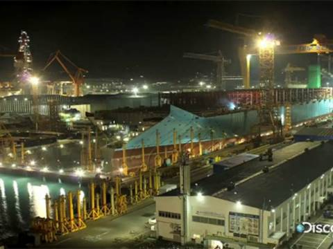 Η κατασκευή του μεγαλύτερου πλοίου στον κόσμο σε 76 δευτερόλεπτα