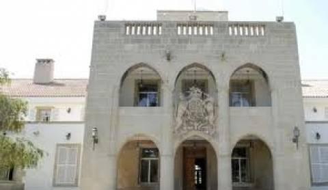 Αποχώρησε από το Προεδρικό Μέγαρο η Τρόικα-Στον «αέρα» η συμφωνία