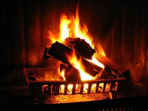 Φρικτός θάνατος ηλικιωμένης - Κάηκε ζωντανή λόγω τζακιού