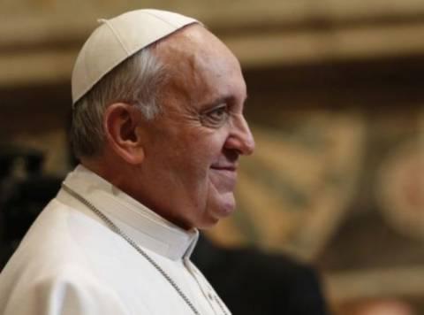 Διαδηλωτές ζητούν από το νέο πάπα την αλήθεια για τη χούντα