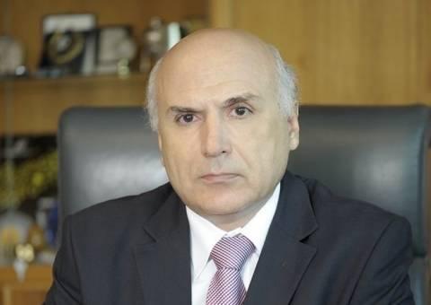 Η τρόικα έπαυσε τον Δ/ντα Σύμβουλο της Τράπεζας Κύπρου