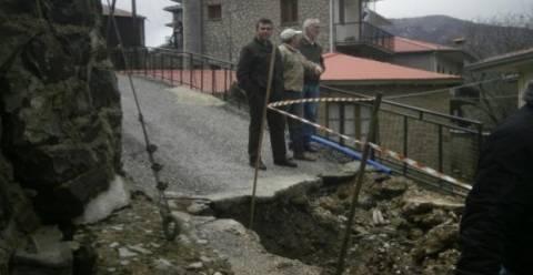 Ακατοίκητα και με σοβαρές ζημιές σπίτια λόγω κατολισθήσεων στο Μέτσοβο