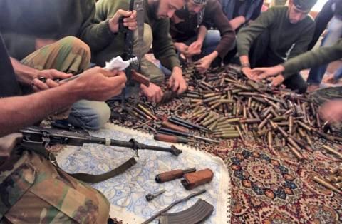 Γαλλία: Δεν θα προμηθεύσει με όπλα τους αντάρτες στη Συρία
