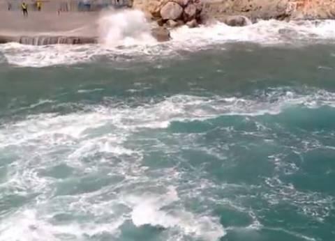 Βίντεο: Οι ξεχασμένοι νησιώτες δίνουν μάχη για να φτάσουν σπίτι τους
