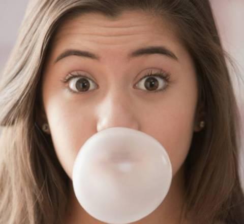 Προσοχή: Η τσίχλα παχαίνει, λέει μια νέα έρευνα