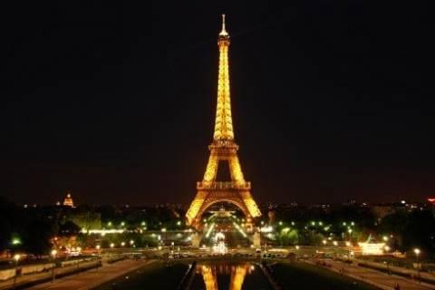 Η ανακοίνωση των γαλλικών αρχών για την απειλή στον πύργο του Άιφελ