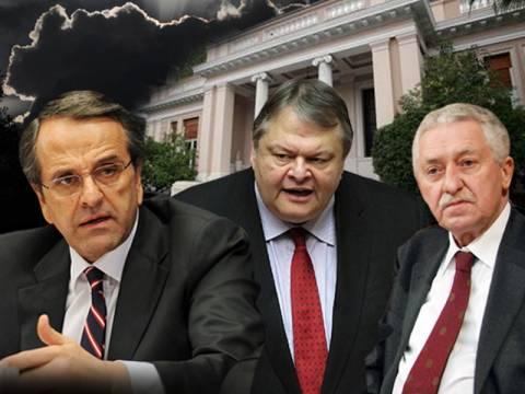 Αναταράξεις στο Μαξίμου για χαράτσι και δημοσιονομικό κενό
