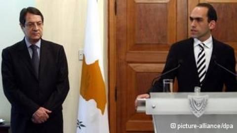 FAZ για Κύπρο: Νέος πολιτικός στο τιμόνι του υπουργείου Οικονομικών