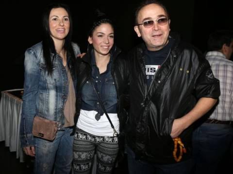 Σταμάτης Γονίδης: Αγκαλιά με τις γυναίκες της ζωής του!