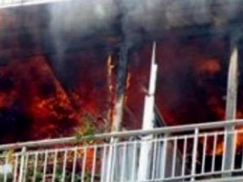 Κατάκοιτος κάηκε ζωντανός και τραυματίστηκε η μητέρα του