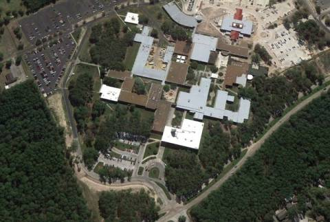 ΣΟΚ: Άνδρας μαχαίρωσε 12 άτομα σε κολέγιο στις ΗΠΑ