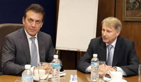 Η ανακούφιση των ανέργων συζητήθηκε μεταξύ Βρούτση-Ράιχενμπαχ