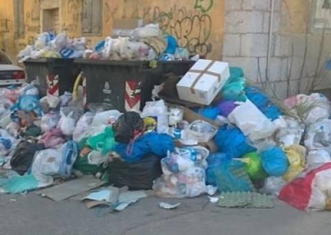 Τρίπολη: Σε κατάσταση εκτάκτου ανάγκης λόγω των απορριμμάτων