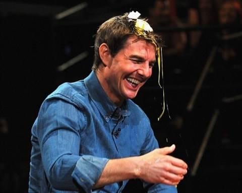 Απίστευτο βίντεο: Έριξαν αυγό στο κεφάλι του Tom Cruise!