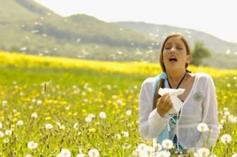 Τα τρόφιμα που επιδεινώνουν και καταπραΰνουν τις αλλεργίες