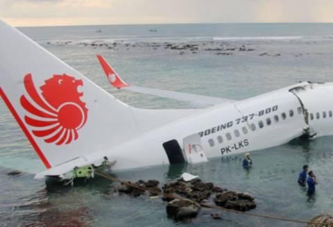 Ινδονησία: «Καθαροί» οι πιλότοι από αλκοόλ και ναρκωτικά