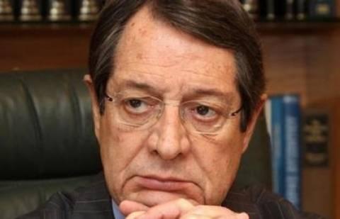 Αναστασιάδης σε Ρώσους:  Κυπριακή υπηκοότητα για όσους έχασαν 3 εκ.