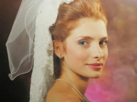 Δείτε φωτογραφίες από τον πρώτο γάμο της Ελένης Μενεγάκη!