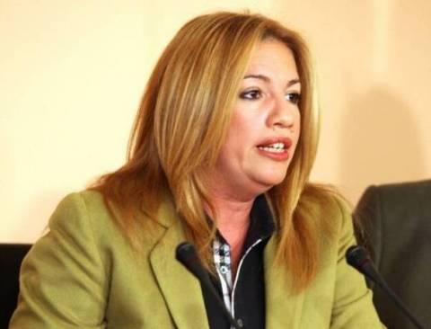 Γεννηματά: Να δοθεί άδεια διαμονής στα θύματα της Μανωλάδας