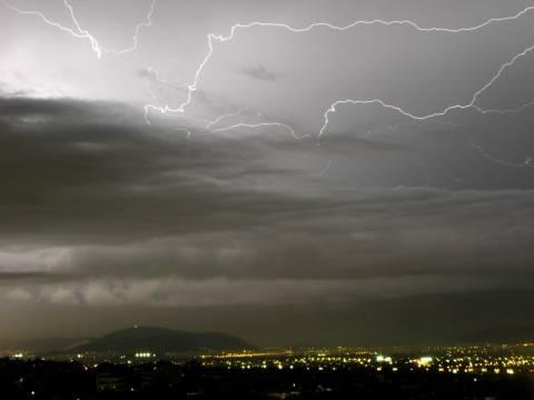 Ραγδαία επιδείνωση του καιρού- Έρχονται βροχές και καταιγίδες
